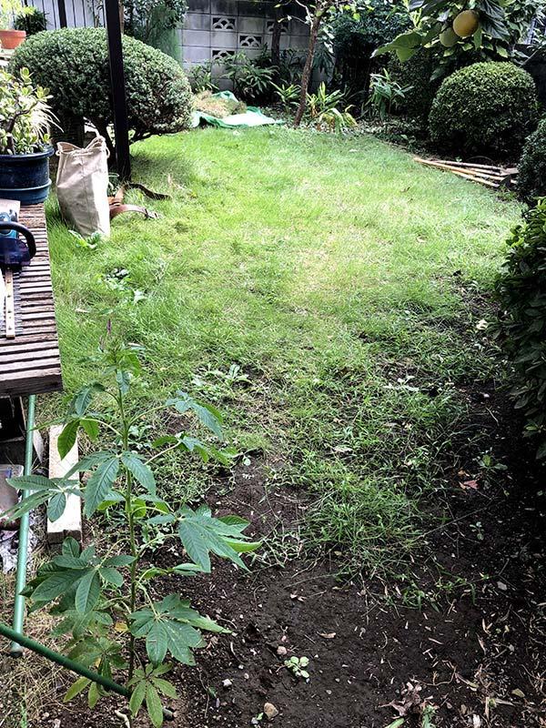 施工前:東京都東久留米市/天然芝から人工芝へ張り替え